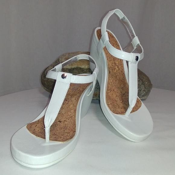 Chaps Shoes   Womens White Dress